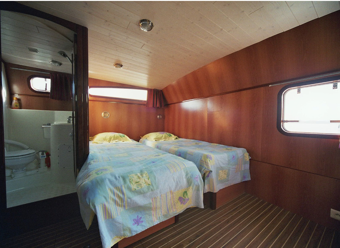 America 50 cabine